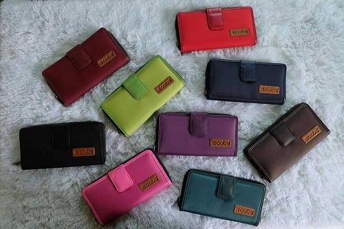 Pilihan Warna Dompet Kecil Terbaru